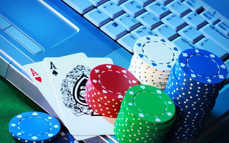 Онлайн покер без денег — играть без вложений, на халяву