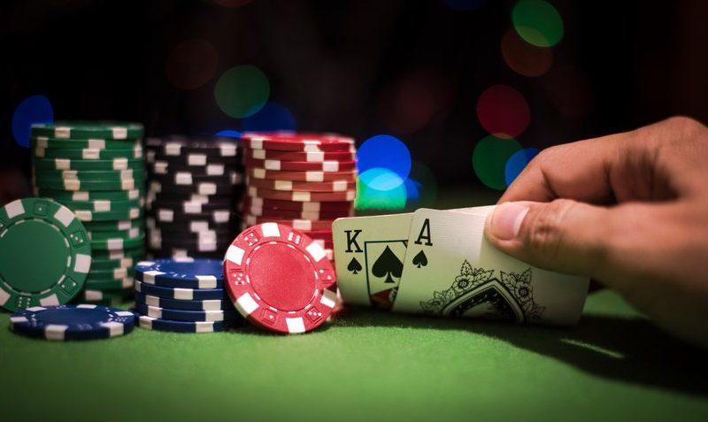 Голливудские звёзды сразятся на покерном чемпионате