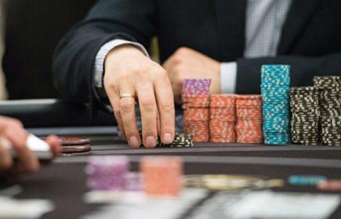 Игрок в покер из Индии совершил самоубийство после того как проиграл в турнире