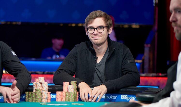 Известный игрок Федор Хольц выиграл турнир после продажи своей доли