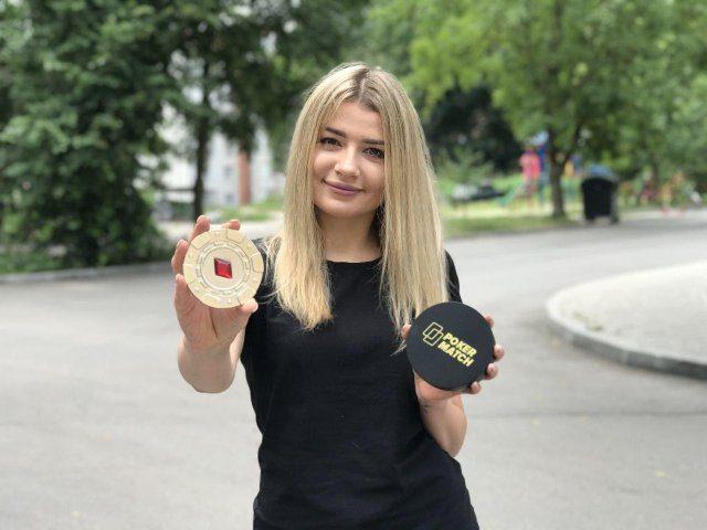 Мисс PokerMatch одержала победу в одном из кубков покер-рума